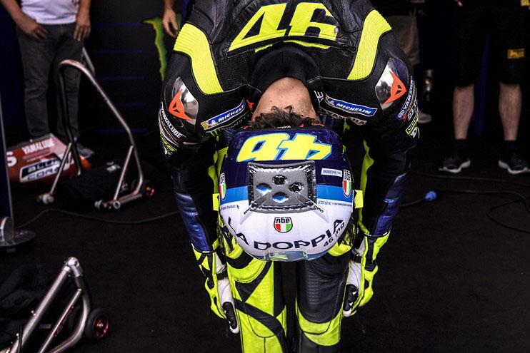 Buang Peluang Podium di Depan Mata, Valentino Rossi: Sangat Memalukan