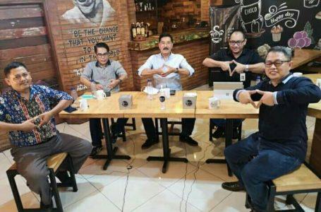 LAWAN TEROR PINJOL-Podcast netizenindonesia membahas jebakan pinjaman online yang mejerat masyarakat.